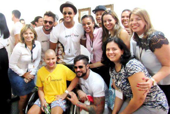 Artistas e diretores da academia Alpha Fitness lançam campanha no Hospital Martagão Gesteira